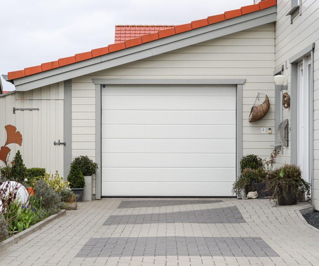 bela garazna vrata